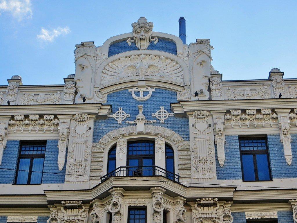 Jūgendstils Rīgas arhitektūrā un interjeros